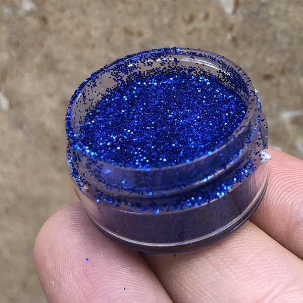 اکلیل آبی تیره